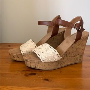 Crochet and leather wedge